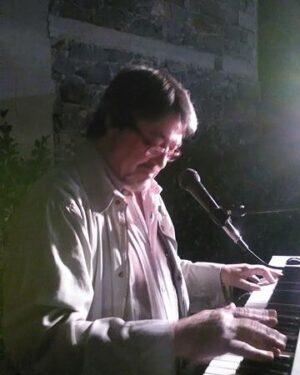 un vecchio cantautore